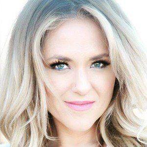 Leah Turner 1 of 6