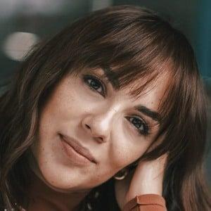 Estela Ujka 1 of 3