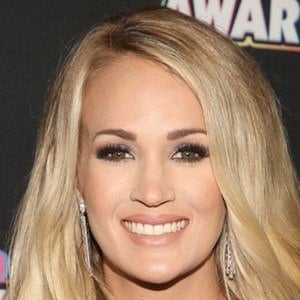 Carrie Underwood 1 of 10
