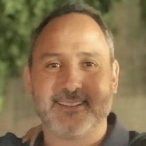 Julián Vásquez Headshot 1 of 10