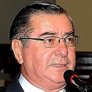 Óscar Valdés Headshot