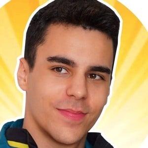 Álvaro Valyrio Headshot