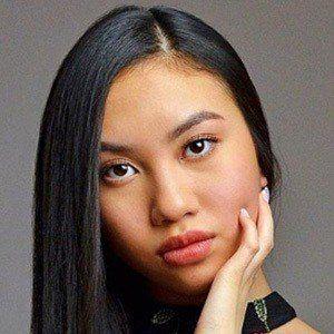 Amanda Vang 1 of 6