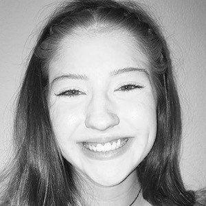 Alyssa Vanlandingham 1 of 5