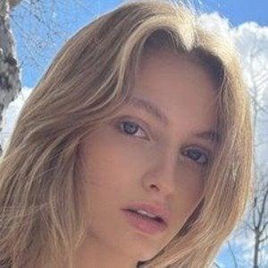 Beatrice Vendramin 1 of 6
