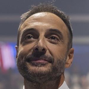 Roberto Vilar Headshot