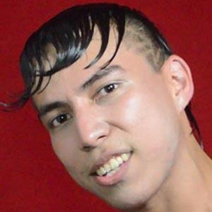 Alex Vizuete Headshot