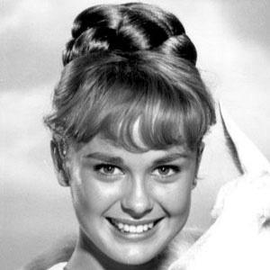 Debbie Watson Headshot