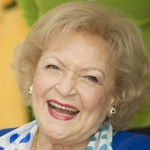 Betty White 1 of 10