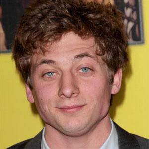 Jeremy Allen White 1 of 5