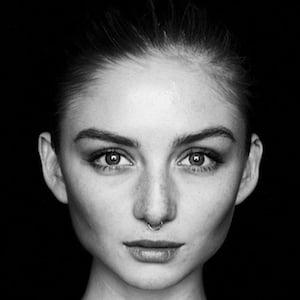 Julia Wulf 1 of 6