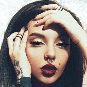 Melania Yaneva 1 of 6