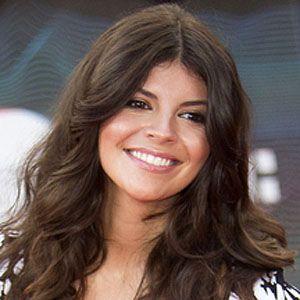 Nikki Yanofsky 1 of 5