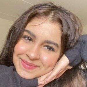 Juu Yasmina 1 of 10