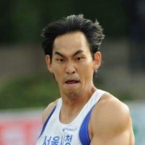Kim Yoo-suk Headshot