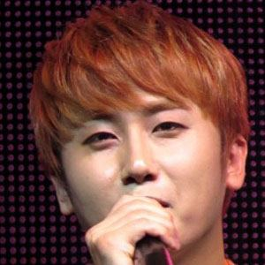 Heo Young-saeng Headshot