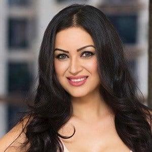 Maryam Zakaria 1 of 6