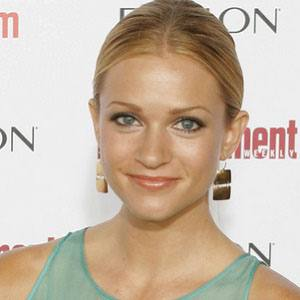 AJ Cook 4 of 8