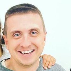 Aaron Pettit Headshot 6 of 10