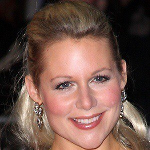 Abi Titmuss 4 of 5