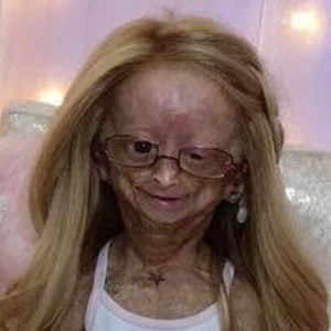 Adalia Rose 4 of 10