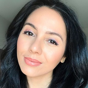 Adela Guerra 4 of 6