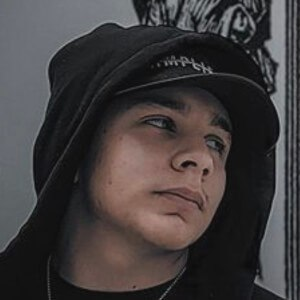 Adrián Escalona 6 of 10
