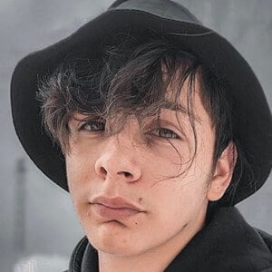 Adrián Escalona 10 of 10