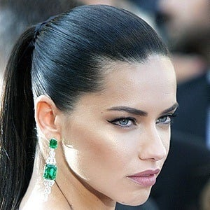 Adriana Lima 6 of 10