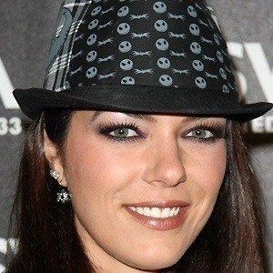 Adrianne Curry 4 of 5