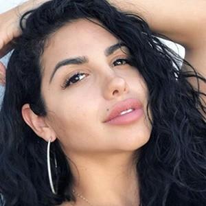 Adryana Rodryguez 4 of 5