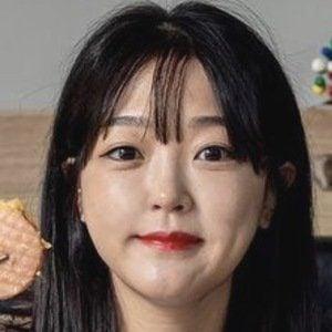 Ae Jeong 2 of 10