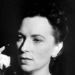 Agnes Moorehead 3 of 6