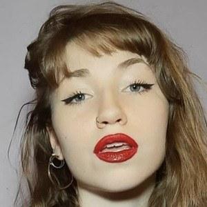 Agustina Paloni Headshot 6 of 10