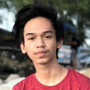 Ahmad Nur Salam Headshot 5 of 5