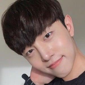 Ahn Eun Woo 3 of 6