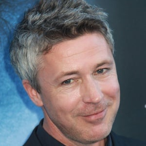 Aidan Gillen 5 of 6