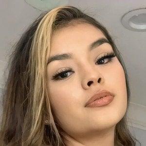 Aileen Muñoz Headshot 2 of 10