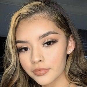 Aileen Muñoz Headshot 4 of 10