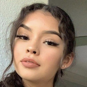 Aileen Muñoz Headshot 8 of 10