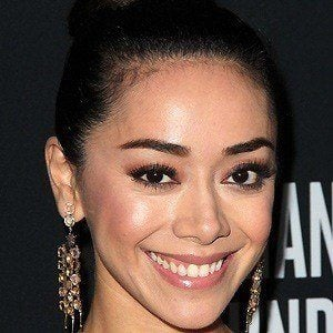 Aimee Garcia 2 of 6