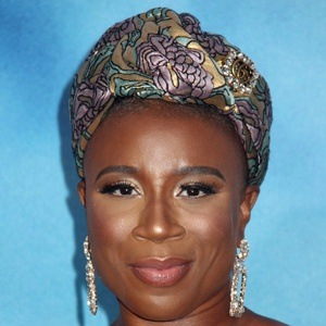 Aisha Hinds 6 of 10