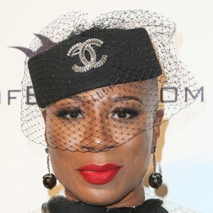 Aisha Hinds 8 of 10