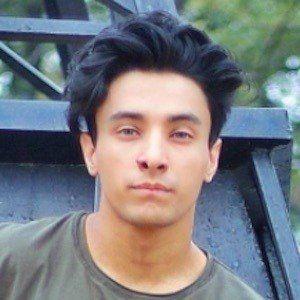 Aksh Baghla 3 of 10