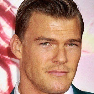 Alan Ritchson 2 of 7