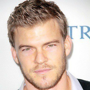 Alan Ritchson 3 of 7