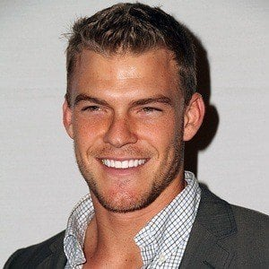 Alan Ritchson 6 of 7