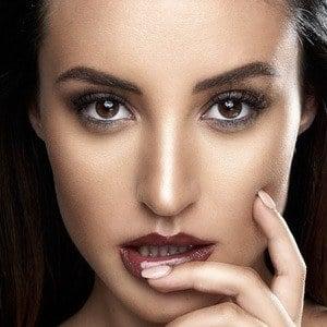 Alanna Dergan 2 of 6
