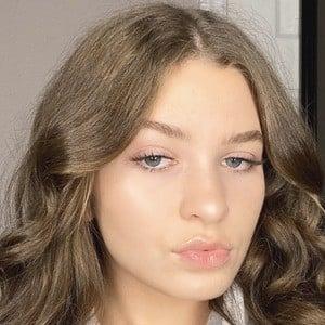 Alena Correale Headshot 2 of 8
