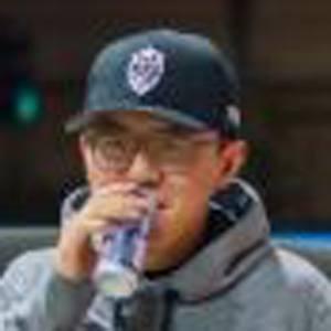 Alex Choi Headshot 6 of 7